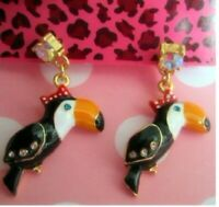 E309 BETSEY JOHNSON Cute Miss TOUCAN Rainforest Keel-Billed Bird Earrings