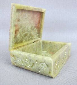 Superb vintage green onyx marble lidded Jewellery Box. Carved Elephant lid.