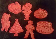 7 Vintage Tupperware Red Plastic Cookie CUTTERS- SANTA CLOWN TURKEY PIG PUMPKIN
