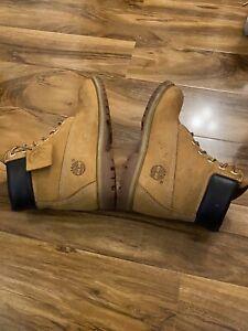 womens timberland boots size 8uk. 10 US  Tan