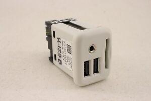 NEW OEM GM USB PORT SD MEMORY CARD 13526855 13519251 CAMARO ATS CTS 17 18 19