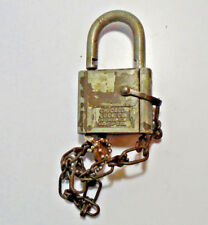 VINTAGE CHICAGO LOCK CO KEY PADLOCK WITH KEY. MADE IN U.S.A. (5105-431)