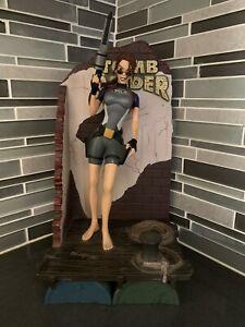 1998 Playmates Toys Tomb Raider Lara Croft in Wet Suit Statue