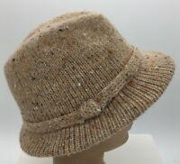 Vintage Womens Oatmeal Color Soft Knit Fedora Style Hat Medium