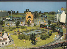 Canada Postcard - Miniland Ltd, Maple Leaf Resort, Niagara Falls - Model   RR33