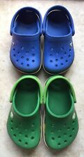 2 PAIRS OF CROC CLOGS ONE GREEN ONE BLUE CLOGS SIZE C 4/5