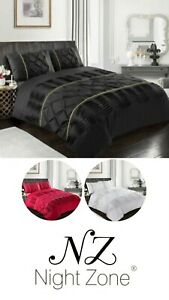 Eleanor Luxury Laced Pintuck Diamond Pinch Duvet Cover Set With Pillowcases