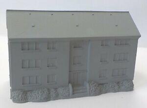 10mm Modern German Apartment Block (Code 24/004)