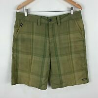 Oakley Mens Shorts 34 Green Plaid Zip Closure Bermuda
