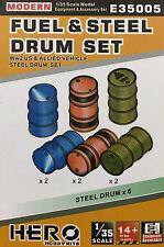 HERO HOBBY - 1/35 Fuel Drum Set WWII US (Plastic Model kit) - E35005