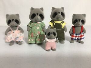 Calico critters/sylvanian families Vintage Raccoon Family Of 5