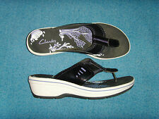 Women's Clarks Wedge Thong type sandals Size 9 M Black & White Nice Ex Cond