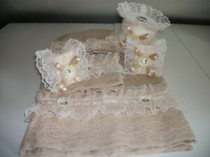 6PC ALLOVER BEIGE BATH TOWEL AND TISSUE COVER AND TWO DECORATED SOAP SET