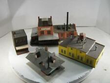 HO 4 Structures Assembled Atlas Station, Grusom Casket & Others
