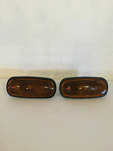 LAND ROVER DEFENDER 90 110 130 SIDE REPEATER INDICATOR LIGHTS -  NEW TAKE OFF