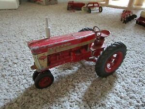 JI Case IH Farmall McCormick Farm Toy Tractor Original 560 400 Styled Rims Rare