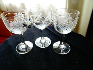 Set of 3 cordial/liqueur stemmed glasses etched with daisies & ferns 75 ml