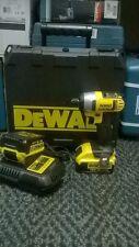 DeWalt DCF885M2 Cordless Screwdriver
