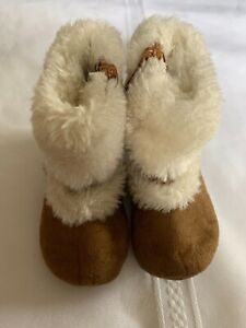 Michael Kors Infant Toddler Girls Boots Faux Fur Suede Size 3 Zip Up