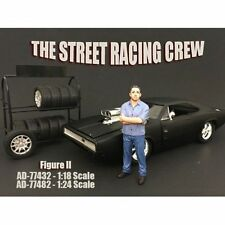 AMERICAN DIORAMA 1:18 STREET RACING CREW - II VEHICLE FIGURES AD-77432