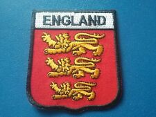 NOVELTY BACKPACKERS FLAG SHIELD SEW / IRON ON PATCH:- ENGLAND ROYAL ARMS 3 LIONS