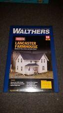 HO Scale Walthers Lancaster Farmhouse  NIB
