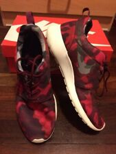 NIKE ROSHE ONE PRINT Ladies Rubber Shoes (Red/Black) size 11 US /43 EUR-Preloved
