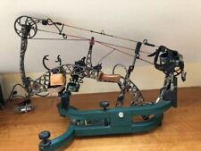 Mathews Z-7 Compound Bow With Extras Right Hand