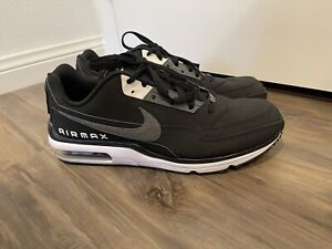 Nike Air Max 90 Essential Men's Size 12 Black White Silver Sneakers 687977-011
