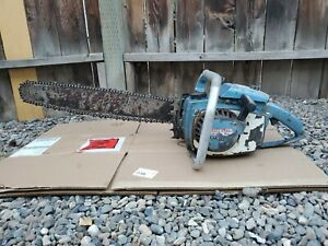 """VINTAGE HOMELITE SUPER XL AUTOMATIC CHAINSAW  WITH 22"""" BAR"""