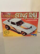 1984 VINTAGE MPC 1-3726 1/25 1967 CORVETTE STING RAY Car Model Kit