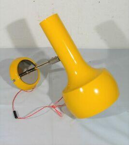 Alte Wandlampe, Wandleuchte, 70er Jahre, mit Gelenk, Funktionstüchtig, gelb
