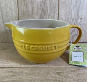 Le Creuset Stoneware Mixing Jug 2L - Mustard Yellow  - Brand New