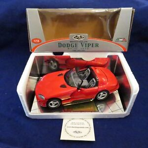 NIB Heritage Mint 1:18 Red 1992 Dodge VIPER RT/10 Made in Italy Item 3325 RARE