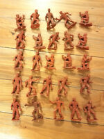 MPC Cowboys Ring Hand Figures 25 Figures Mixed Poses
