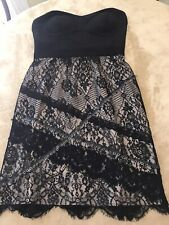 DRESS Sz M Stunning Black Lace Silver Chain Designer Dress Great Condition