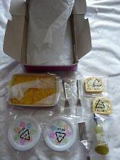 New American Girl Lasagna Dinner Set Plates Silverware Bread Oil Spatula Pan