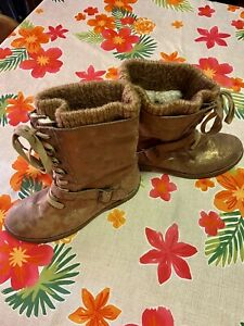 Roxy Boots, Mercer, women's size 9. New without tags!