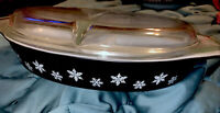 PYREX Vintage Black Snowflake Divided Oval Casserole Baking Dish w/Lid 1.5 Quart