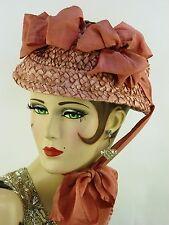 Sombrero Vintage 1930s EE. UU. Divina Rosa Rafia Paja Sombrero W arcos largos de seda Cintas &