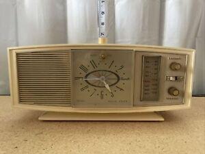 Vintage Sears Silvertone Model 2087 Transistor Analog Clock Radio•Tested•Works!