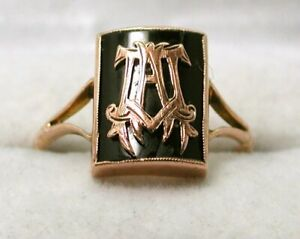 1930's Vintage Lovely 9 carat Rose Gold And Black Enamel Initial Signet Ring