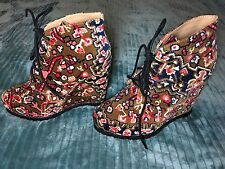 Kimchi Blue Urban Outfitters Brown & Pink High Heel Wedge 70's Tapestry Boots 7