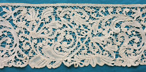 87 cms antique Brussels Duchesse lace border