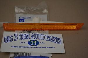 Chevrolet Malibu Beretta Left Hand Driver Side Front Marker Lamp OEM 16522557