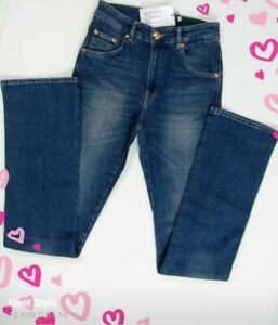 Won hundred beautiful blue jeans 28/32 new with label