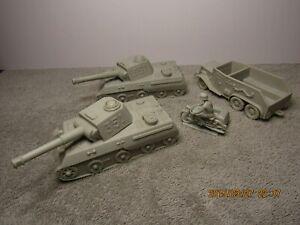 Marx Battleground / Desert Fox Playset Light Gray German Vehicle Set III