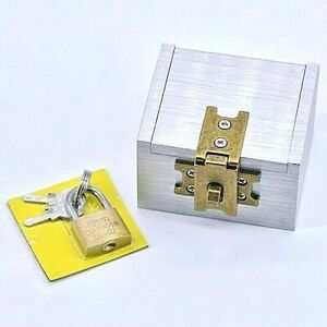 MAGIC STRONG BOX LIKE A LIPPINCOTT BOX BUT BETTER! LOCK INCLUDED...