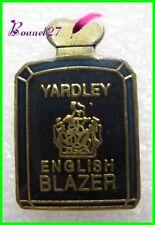 Pin's Parfum YARDLEY English Blazer noir #651