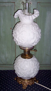 Vtg Fenton White Milk Glass GWTW Gone With The Wind Hurricane Poppy Table Lamp